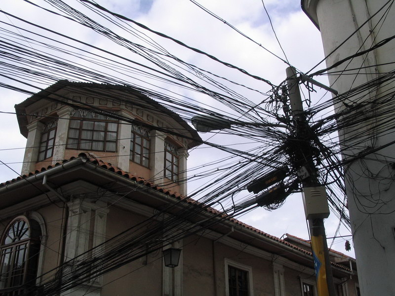 Typical wiring at every corner of La Paz
