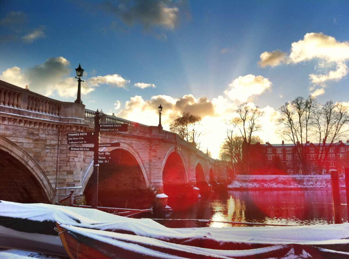 Twickenham Bridge from Richmond side (wintertime)