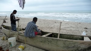 Colombia - Palomino: fishermen at the beach
