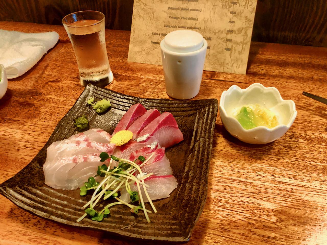Sashimi in Chiyoda-Ku, Präfektur Tokio, Japan (23.09.2019)